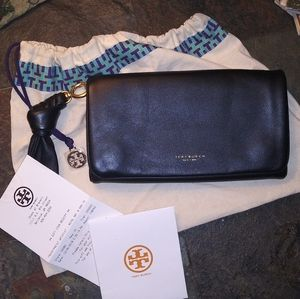 Tory Burch Beau Black Medium Leather Wristlet-NEW